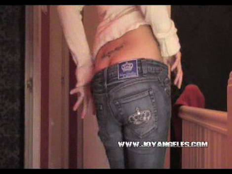 joy angeles women shitting clips page