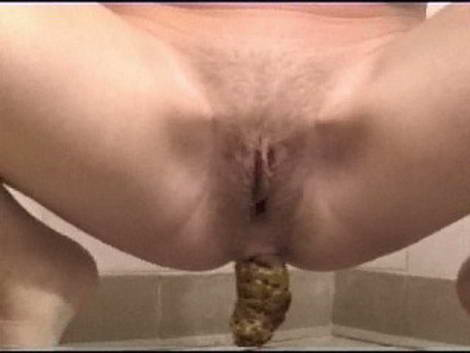 girls pooping cam