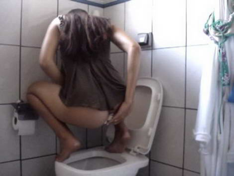 girl pooping in mouth