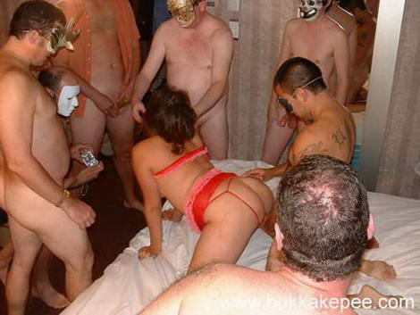 womens pissing contest on video