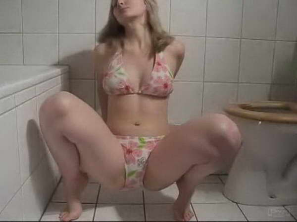 woman shitting videos