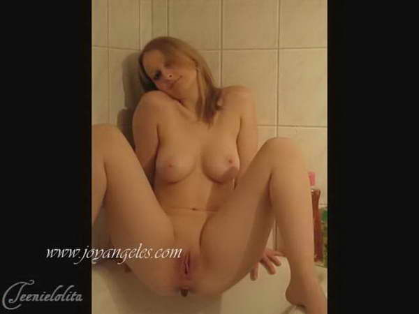 shitting girls video