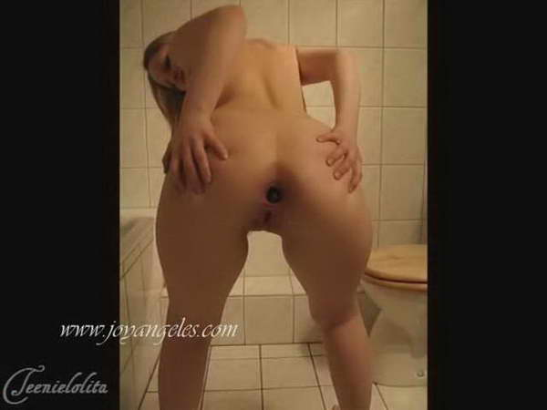 Pooping and farting on toilet and dirty girl sex