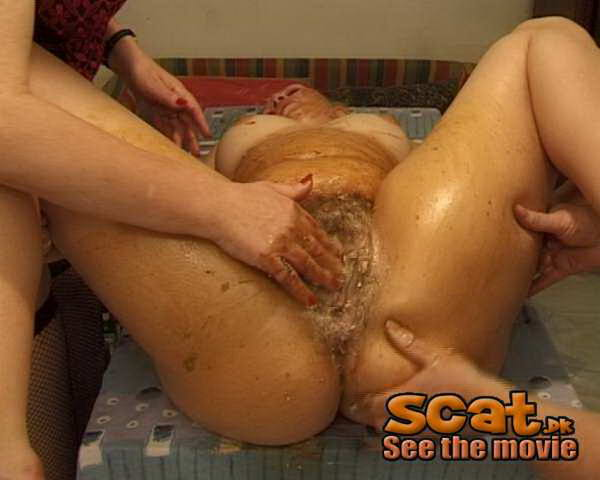�oung scat slut riding her purple dildo