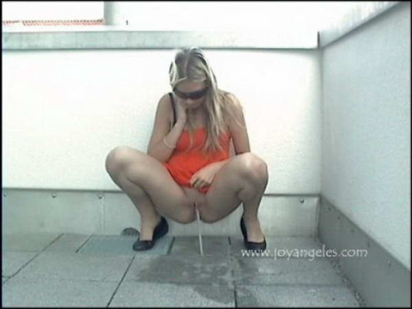 pooping her pants public