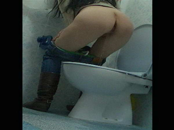 girl shits in toilet