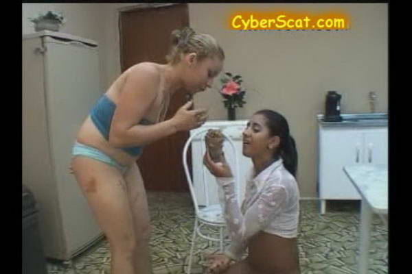 girls meeting in toilet clips