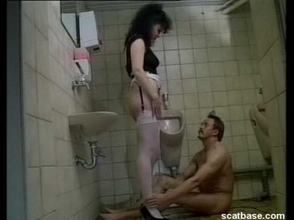 Scat Fetish Sex: toilet latex slave
