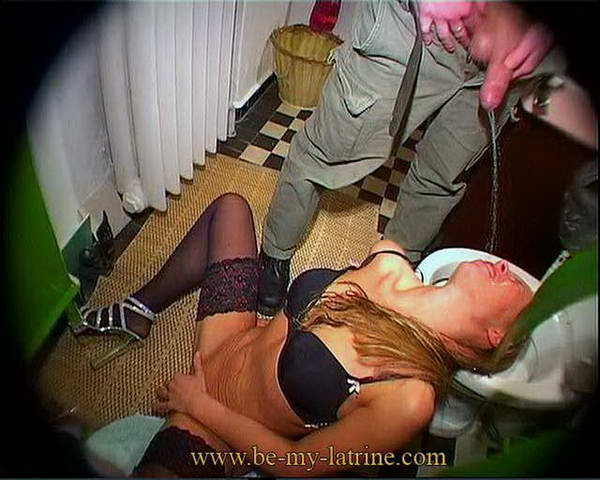 mistress farts on slaves face video
