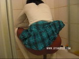 beatiful women pooping