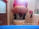 toilet cams pissing