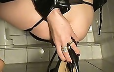 Scat in high-heels