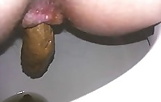 Long shit from amateur scat wife