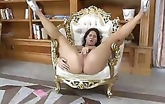 Marcella a.ka. Lyndren doing some solo pooping without panties.4