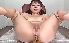 Japan scat - female diarrhea